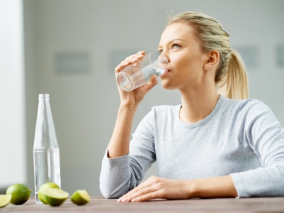 AN70-Woman_drinking_cup_of_water-732x549-Thumb.jpg